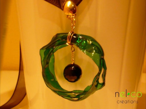 Bracelets, hairbands, key rings, pendants -  Upcycled eco-chic accessories